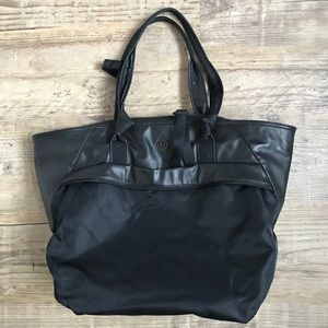 Lululemon On the Move Shoulder Bag